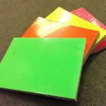Etalage karton fluor groen